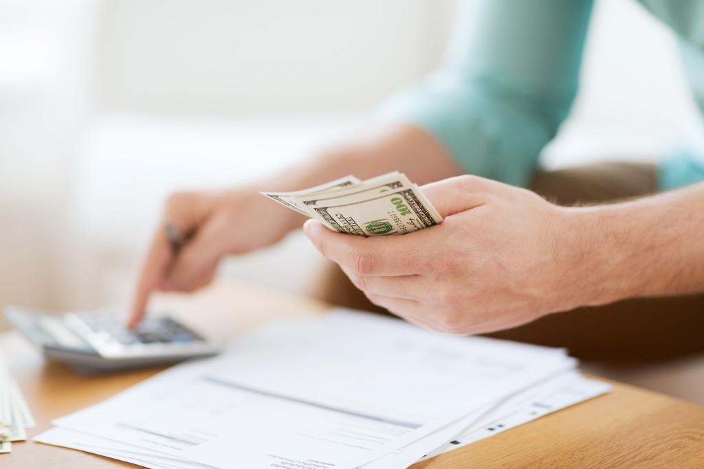 computation of money with calculator